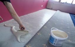 Настил коврового покрытия с полным приклеиванием более 50 м2